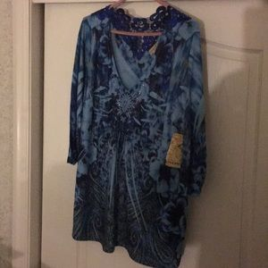 NWT sz 2x blue floral subliminal top by one world